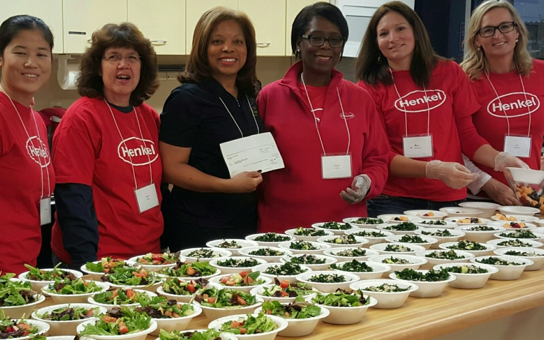 "Gregory's Fresh Market 5th Annual Holiday ""Gift of Nutrition"" Program Brings Healthy Food and Friendship to Phoenix Seniors"